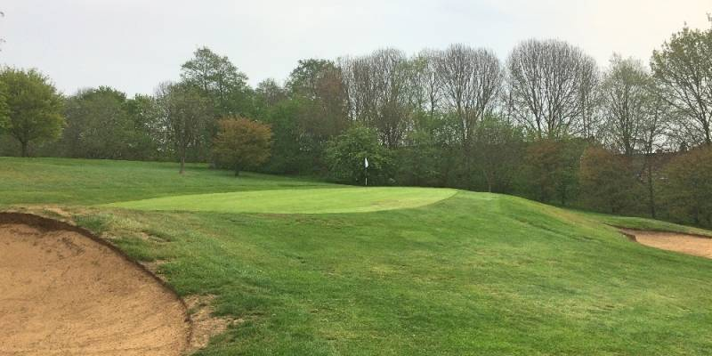 13th hole: a well bunkered green